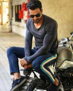 The Top 10 Sexiest Indian Men Alive 1