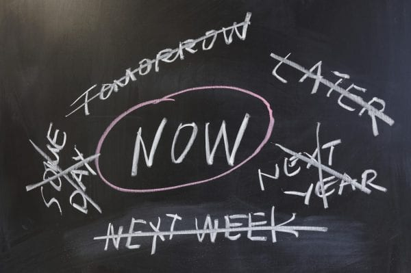 5 Signs of Chronic Procrastination - The Circle that Never Ends 1