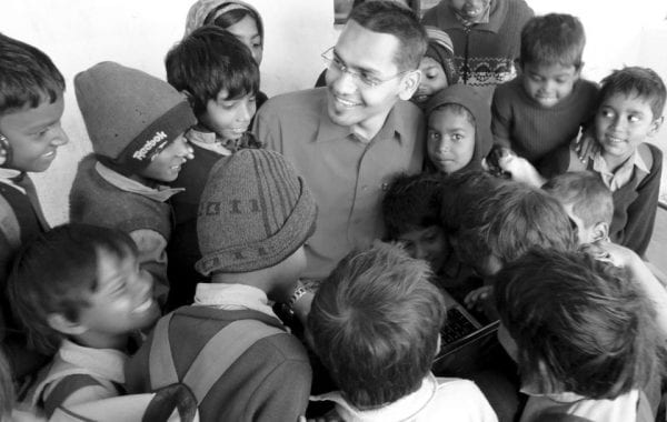 Meet The Guy Who Changed The Lives Of Hundreds Of Kids- An Interview With Shadab Hassan change