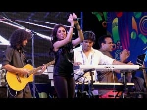sunidhi on stage performance
