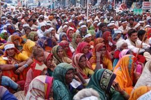 Women_at_farmers_rally,_Bhopal,_India,_Nov_2005
