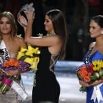 Embarrassing Moment on Miss Universe 2015 Final 14