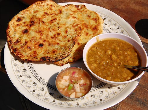 Top 10 mouth watering street food 39 s in delhi for Amritsari cuisine