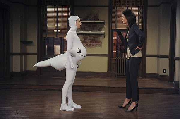 Lily-dresses-White-Whale-Halloween-despite-cute HIMYM