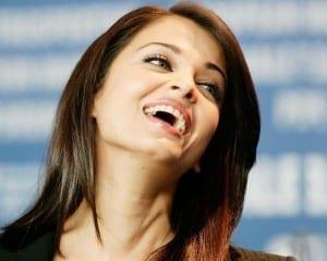 Smile-Aishwarya-Rai-HD-wallpapers-Free