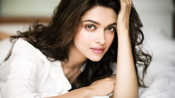 Some Interesting Facts About Bollywood's Favourite Girl – Deepika Padukone. 1
