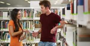 girl-meeting-a-guy-at-a-bookstore