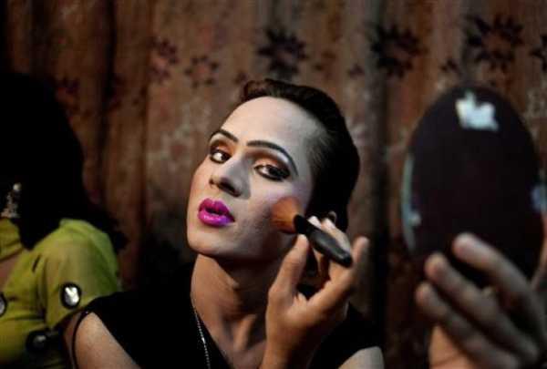 Fatwa for Transgenders in Pakistan. 9