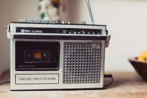 radio-821602_960_720