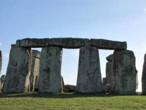stonehenge-sarsens