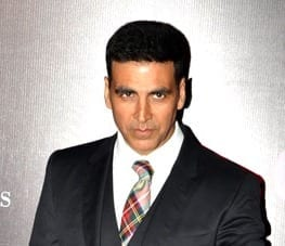 Akshay_Kumar_at_the_21st_Screen_Awards (1)