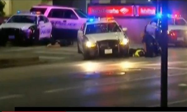 Dallas Police Shooting: Five Officers Killed, Seven Wounded by Gunmen! 4