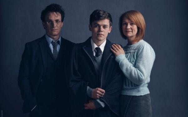 l-r_Harry_Potter_(Jamie_Parker),_Albus_Potter_(Sam_Clemmett),_Ginny_Potter_(Poppy_Miller)-large_trans P642x9a4zXQRkyaVdo3I2TWirqIBi3L-jQ5m0Ctq1mo