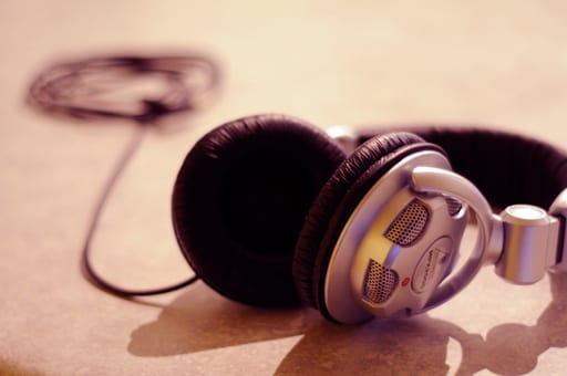 8 Surprising Benefits Of Listening To Music 4