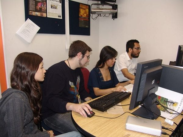 File:Students working on computers at the University of Monterrey.jpg