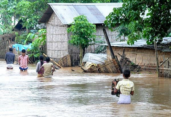 Disastrous Flood In West Bengal : CM Appeals For Relief Fund 8
