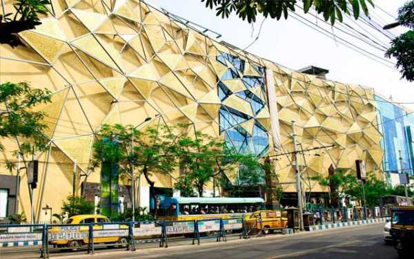 Dhoti Clad Man Barred From Entering Quest Mall,Kolkata 43