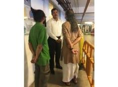 Dhoti Clad Man Barred From Entering Quest Mall,Kolkata 2