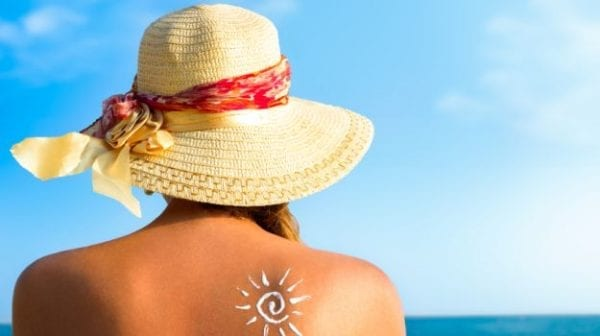 7 Hacks To Stay Protected From The Harsh Sun! hack