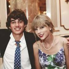 Taylor Swift's Boyfriends And Their Stories 7