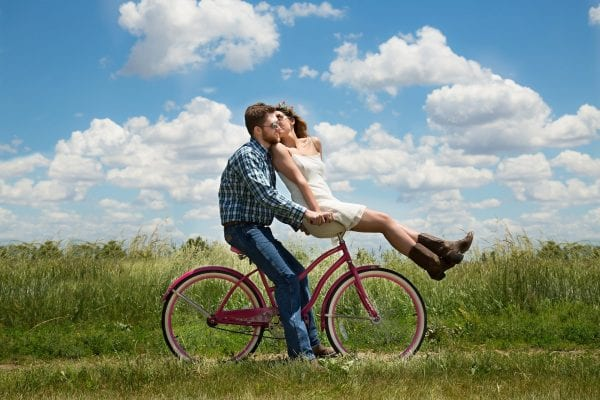 What Happens to You When You Fall in Love? 5 Great Signs 5