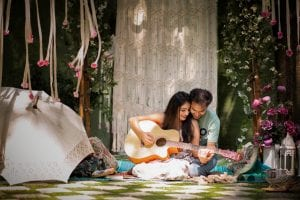 Make Your Pre-Wedding Shoot Shine With These Absolutely Amazing 25 Pre-Wedding Theme Ideas 13