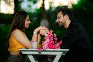 Make Your Pre-Wedding Shoot Shine With These Absolutely Amazing 25 Pre-Wedding Theme Ideas 17