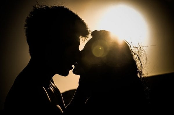 What Happens to You When You Fall in Love? 5 Great Signs 15