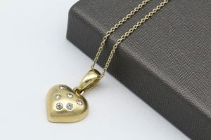 20 Best Things To Get A Woman For Her Birthday 17