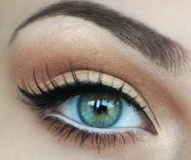 A Detailed Eye Makeup Guide For Women 11