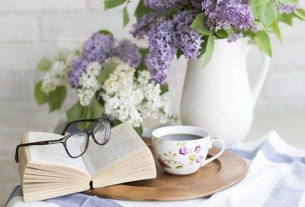 how do reading books helpus