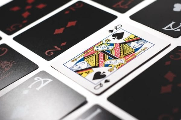 Online blackjack versus playing live – which is the best? 1