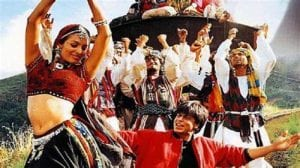 12 Iconic Bollywood Dances Everyone Should Know About 4