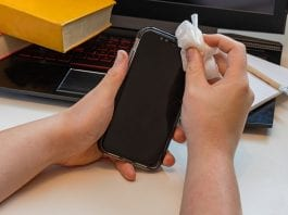 How To Clean Your Phone From Virus for Free