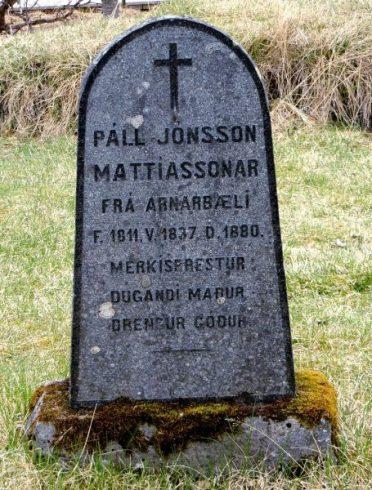 icelandic name on gravestone