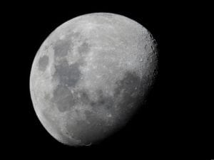 why do we see only one side of moon always