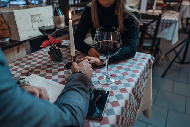 Three Simple Tips to Get Off To The Right Start With Online Dating 3
