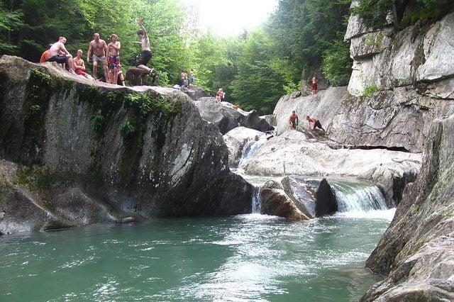 9 Graceful Vermont Waterfalls to Relish 37