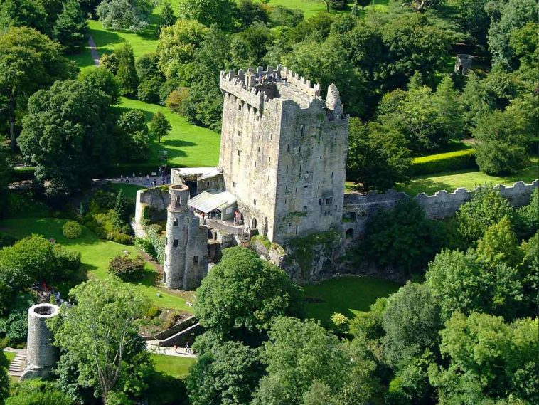Kissing The Blarney Stones : Best Guide 4