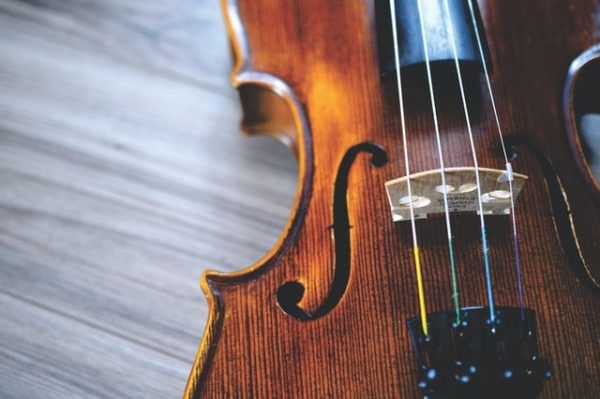 Fiddle vs. Violin - 9 Important Differences You Must Know 4