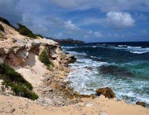 best hikes in kauai : Makawehi Lithified Cliffs Trail, Kauai