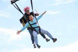 LET YOURSELF FALL FREE WITH AN INSTRUCTOR | Jump Florida Skydiving