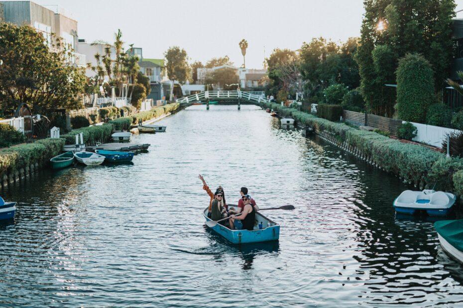 Venice Beach Canals: A Quiet Tourist Attraction 9