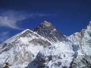 Mount Everest- The 7 Natural Wonders of The World