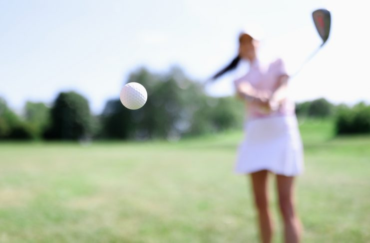 Golf women playing